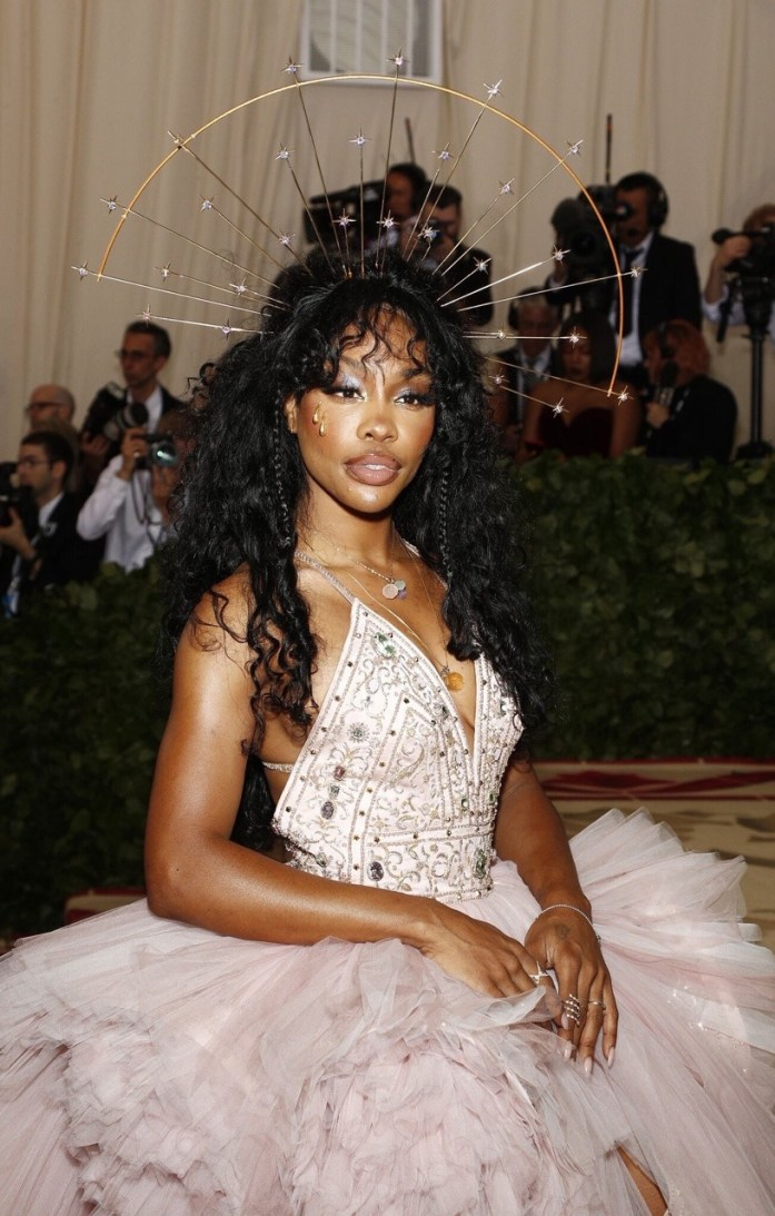 SZA attends the 'Heavenly Bodies: Fashion & The Catholic Imagination' Costume Institute Gala at The Metropolitan Museum of Art in New York City (May 7, 2018).