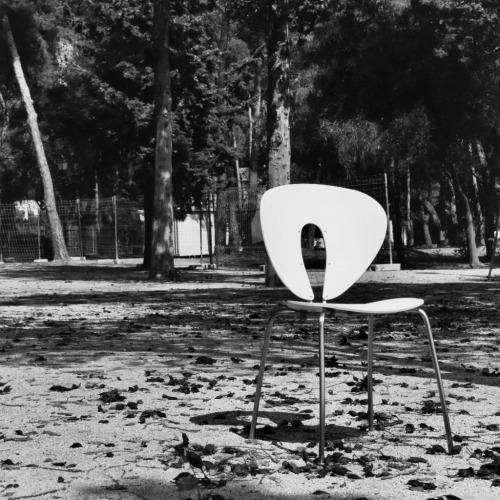 tumblr_lmg2fflNLF1qfx0suo1_500 stua: Outdoor furniture: Globus chair, design of Jesus... Contemporary