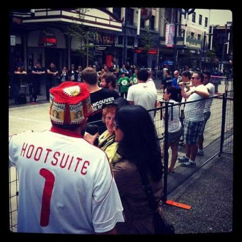 .@daveohoots & the @hootsuite hockey team is about to take the streets here in #vancouver #fhff by @jasonbaker