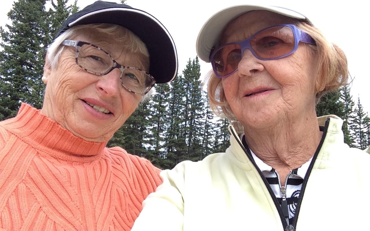 Ruth and Maureen golfing