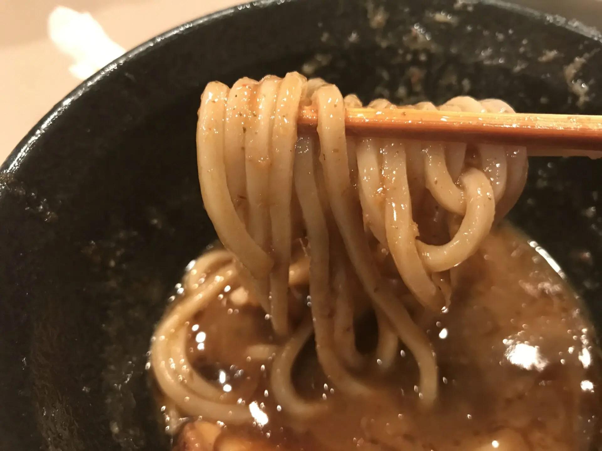 スープが濃厚なのでよく絡む