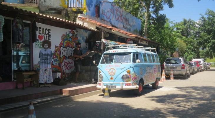 Rua próxima à Praia do Rancho – Trindade – RJ