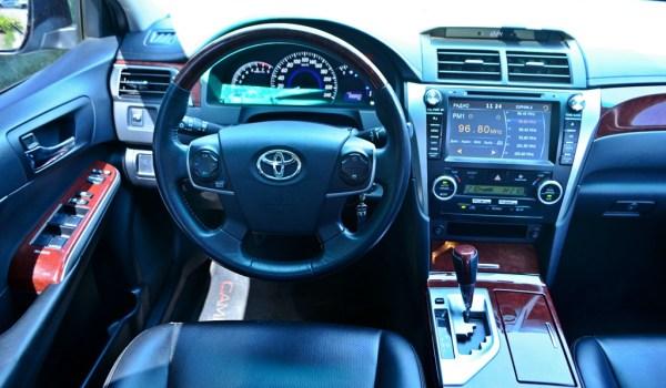 Toyota Camry, v50, Aвтомат - 1