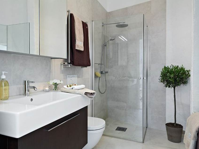 This 26 Simple Small Bathroom Design Ideas Will End All ... on Simple Small Bathroom Ideas  id=37013