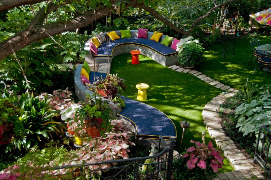 Colorful-Private-Garden-Retreat-2