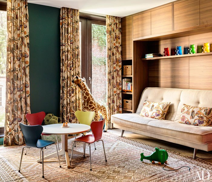 item16.rendition.slideshowWideVertical.laura-santos-1100-architect-manhattan-townhouse-13-childrens-play-room