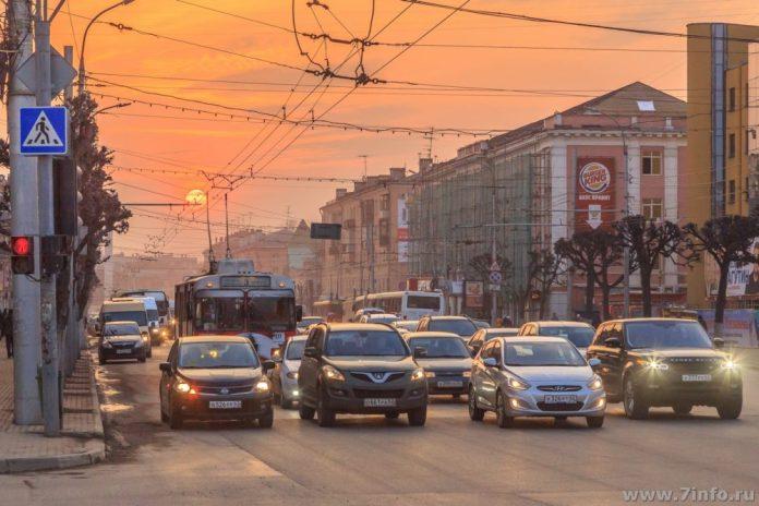 В воскресенье в центре Рязани перекроют движение транспорта