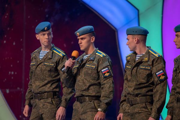 Рязанское десантное училище отметило 101-ю годовщину