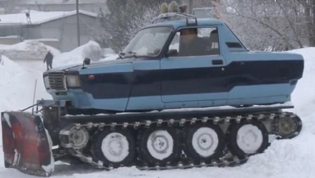 Житель Алтайского края собрал снегоуборщик из Жигулей