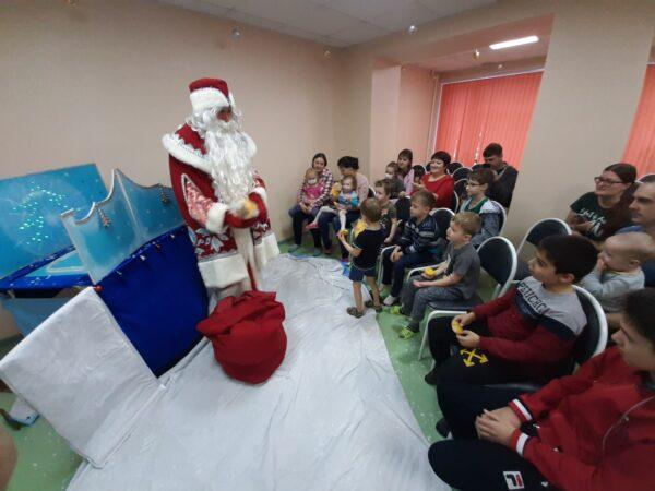Рязанские активисты ОНФ подарили «Новогоднее чудо» пациентам детской больницы