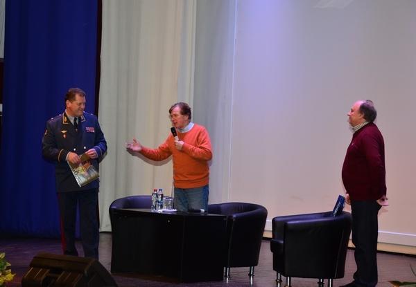 Курсанты Академии ФСИН России познакомились с дрессировщиком Николаем Павленко