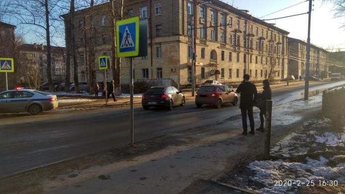 В Рязани водитель сбил женщину рядом с пешеходным переходом
