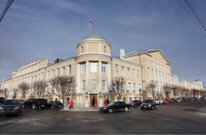 Директора школ в Рязани в среднем зарабатывают более 70 тысяч рублей