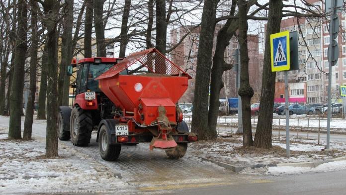 За сутки с улиц Рязани вывезли 130 кубометров снега
