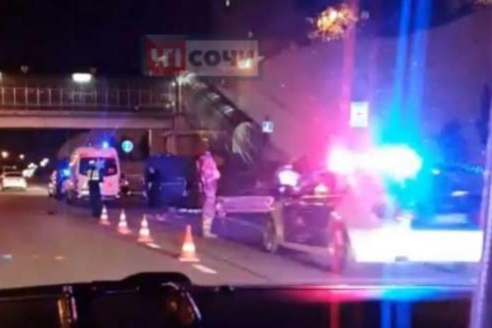 «Нива» протаранила пешеходов в Сочи: умерла женщина