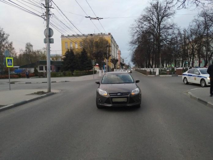 В центре Рязани «Форд» сбил молодого парня