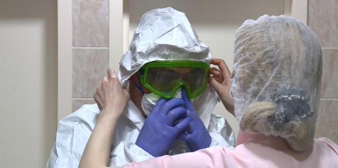 Рязанский врач самоизолировался от семьи в стенах больницы