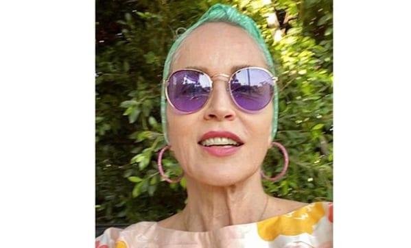 Шерон Стоун поразила фанатов фотографией из молодости