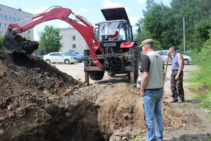 В районе Скопинского ММЦ прорвало канализацию