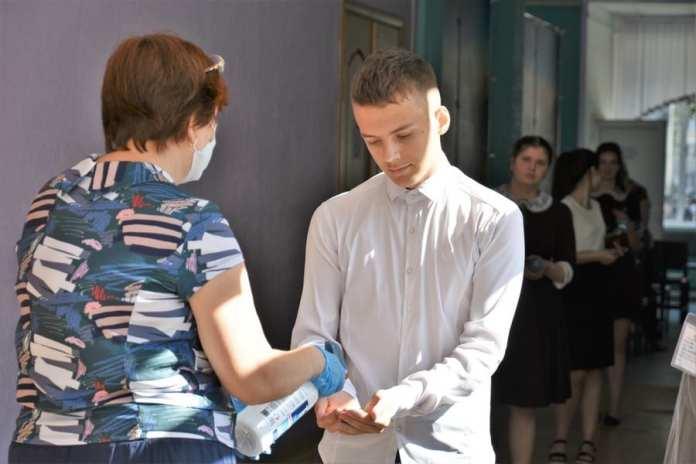 Николай Любимов посмотрел, как рязанские школьники сдают ЕГЭ