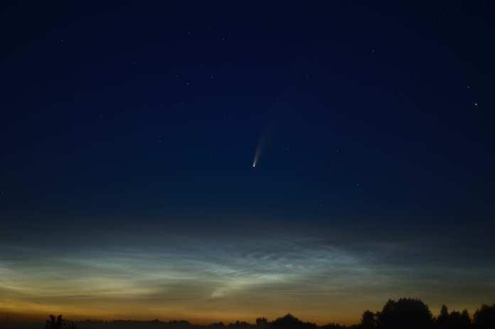 Рязанцы сфотографировали комету NEOWISE