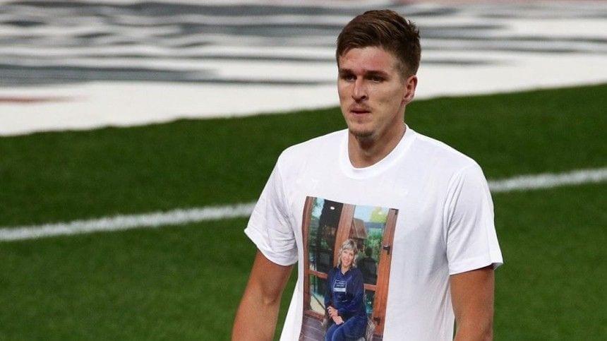 Российский футболист посвятил гол умершей маме
