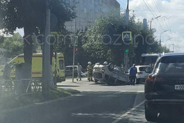 В ДТП с перевернувшейся в центре Рязани машиной пострадал человек
