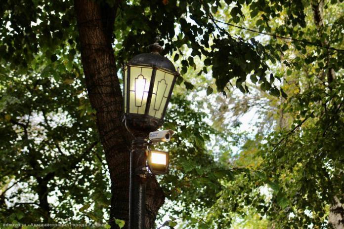 У Рязанского кремля поменяли уличные лампы