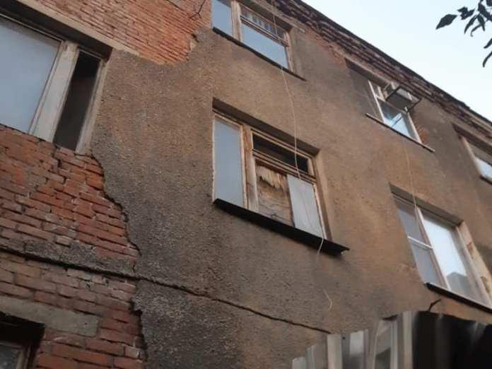 За последний месяц в Краснодаре расселили два аварийных дома, еще шесть на очереди