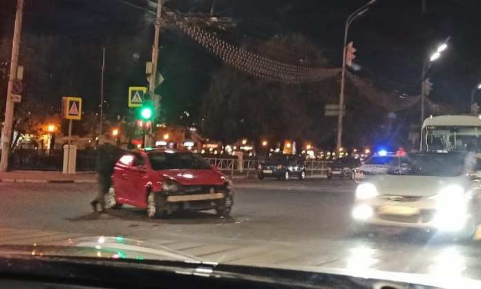 В центре Рязани произошло ДТП с маршруткой