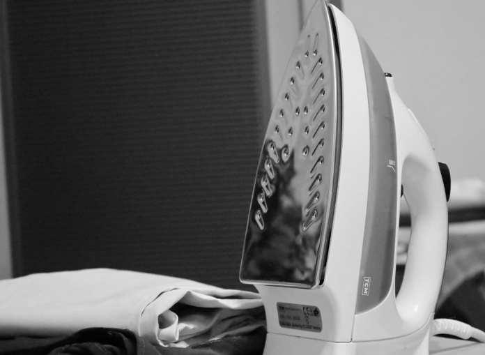 Минпромторг РФ обнаружил в иностранных утюгах прослушивающие устройства