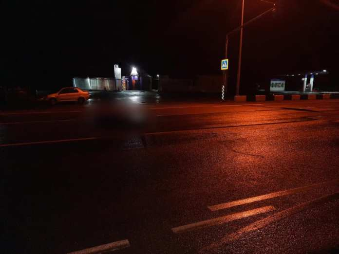 В Рязанской области на трассе М-5 грузовик насмерть сбил пешехода