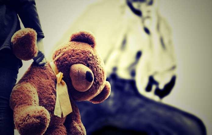 В Санкт-Петербурге отец напоил и изнасиловал собственную 13-летнюю дочь