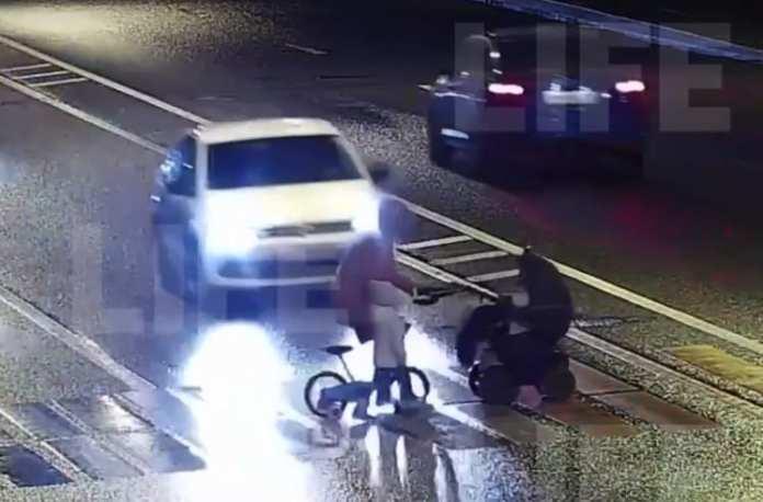 Момент наезда на женщину с двумя детьми в Санкт-Петербурге попал на видео