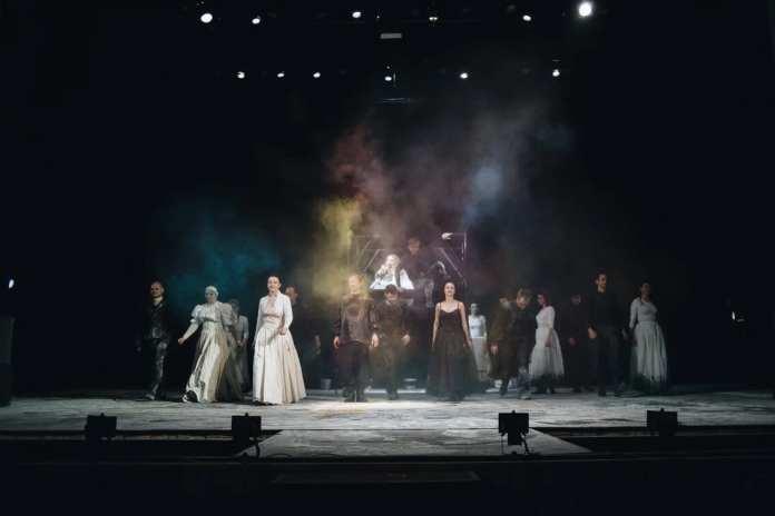 Четвёртый день «Свиданий на Театральной» прошёл в стиле «викторианский панк»