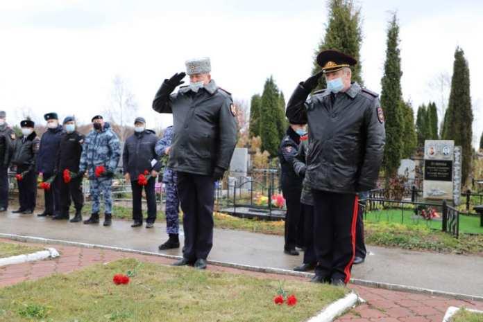 В Рязани почтили память сотрудников органов внутренних дел, погибших при выполнении служебных обязанностей