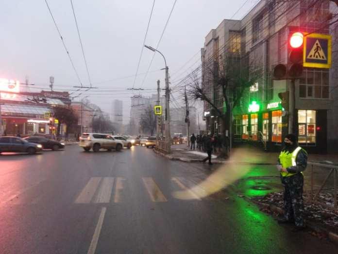 """На улице Гагарина водитель на """"Киа Рио"""" сбил 44-летнюю рязанку и скрылся с места ДТП"""
