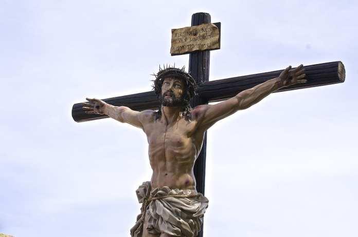 Папа римский объявил о массовом отпущении грехов из-за коронавируса