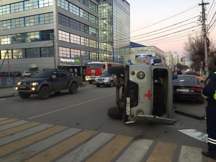 В полиции прокомментировали ДТП со скорой помощью в центре Рязани