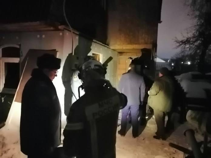 Появились фото с места пожара в Рязани, где погибли двое детей и двое взрослых