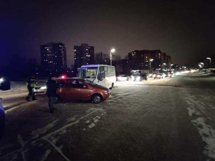 Стали известны подробности аварии на улице Новоселов