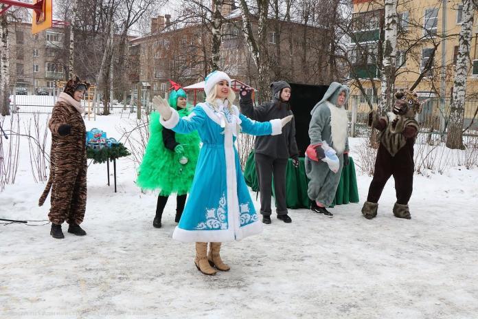 В канун Нового года воспитанникам реабилитационного центра в Рязани передали подарки
