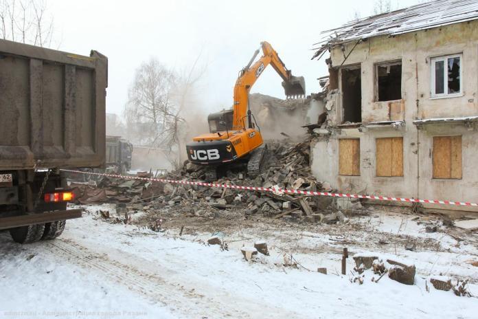 Мэрия опубликовала фоторепортаж сноса аварийного здания на Электрозаводской