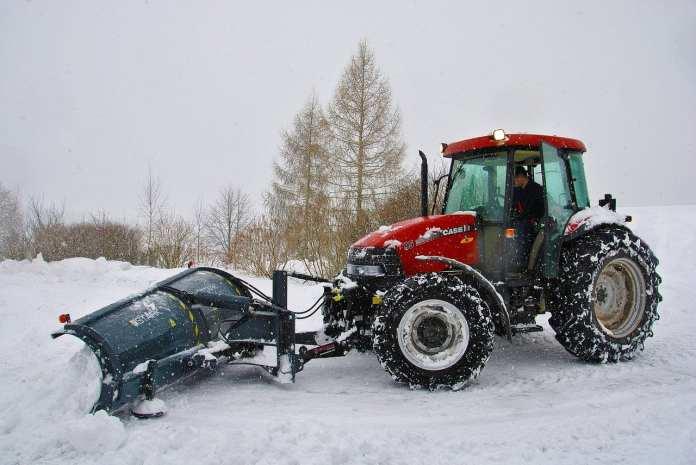 В Карелии при уборке улиц от снега погибла 8-летняя девочка