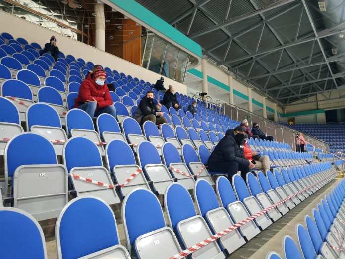 В Рязани проверили соблюдение масочного режима на матче МХК «Рязань-ВДВ»