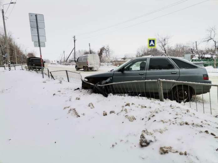 """В Михайловском районе 61-летний мужчина умер за рулем """"двенадцатой"""""""