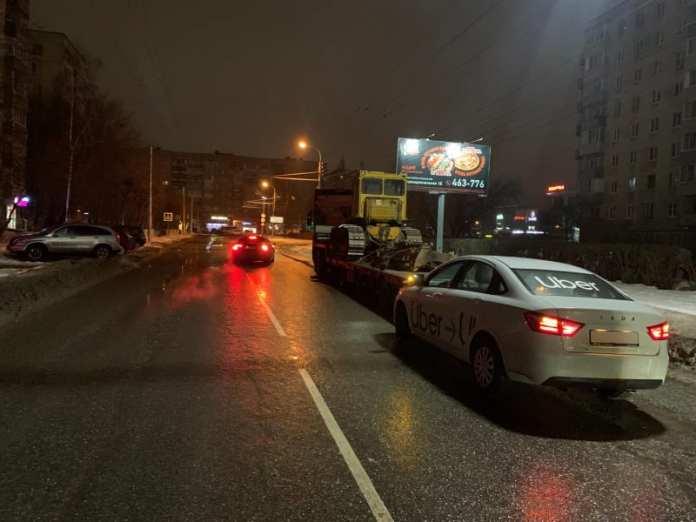 В Рязани 38-летний мужчина врезался в полуприцеп грузовика
