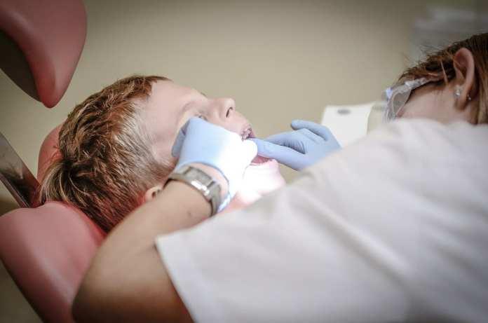 В школах Рязани могут появиться детские стоматологи и подростковые гинекологи