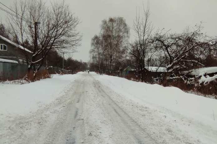 Житель Рязани пожаловался на дорогу, которую «не убирали несколько недель»