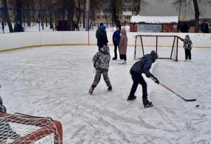 В Рязани залиты 12 катков и хоккейных коробок